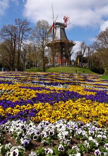 Mühle am Wall, Wallanlagen in Bremen, Parkanlage; famous Wallanlagen in Bremen, Germany