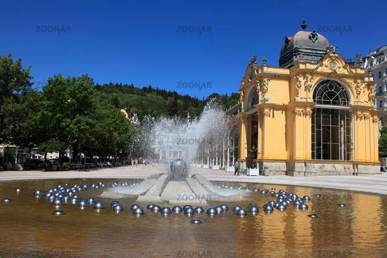 Singing Fountain an colonnade, Marianske Lazne