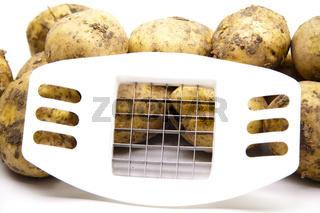 Kartoffeln mit Pommesschneider