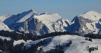 Wintery landscape seen from Horeneggli.