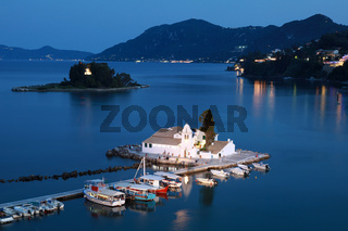 Korfu bei Nacht
