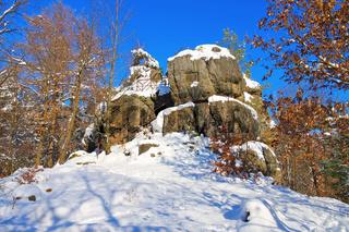 Zittauer Gebirge, der Felsen Hieronymusstein im Winter - Zittau Mountains, the rock Hieronymusstein in winter with many snow