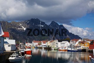 Fishing harbour in Henningsvaer