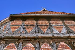 Detail eines alten norddeutschen Bauernhauses in Niedersachsen. (Zweiständerhaus)