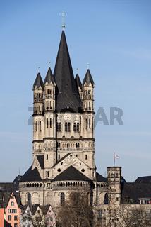 die mittelalterliche romanische Basilika Gross St. Martin in Köln