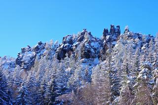 Zittauer Gebirge Nonnensteine bei  Jonsdorf im Winter - mountains Nonnenfelsen in Zittau Mountains near Jonsdorf in winter with many snow