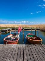 Fischerboote im Hafen von Althagen auf dem Fischland-Darß