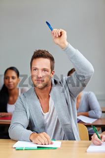 Student antwortet im Seminar