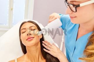 Professionelle Hautreinigung im Kosmetikstudio