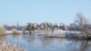 Hannover - Mittlere Leineaue, winterliche Flusslandschaft, Deutschland