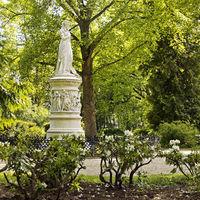 Queen Luise Monument in the Tiergarten, Mitte, Berlin, Germany, Europe