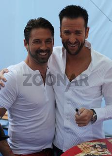 Sänger Nic und Sänger Michael Wendler  ARD Show 'immer wieder sonntags' 07.07.13 im Europapark Rust