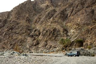 Wilde Landschaft des Wadi Al Abyad, Oman