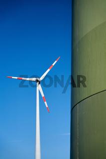 Windkraftanlage im Norden der Stadt Magdeburg