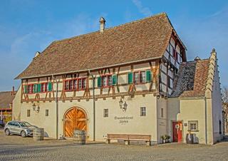 Staatskellerei Zürich beim Kloster Rheinau, Schweiz
