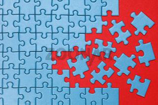 Konzeptbild fehlende Teile im Puzzle