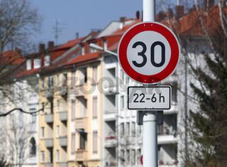 30 km/h zur Nachtzeit