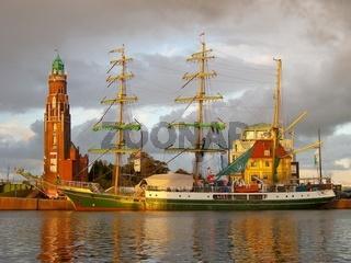 Sonnenaufgang in Bremerhaven