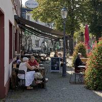 People in the old town, Monheim am Rhein, Bergisches Land, North Rhine-Westphalia, Germany, Europe