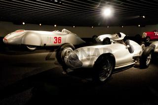 Mercedes-Benz 1,5-L-Formel-Rennwagen W 165 im Mercedes Benz Museum Stuttgart