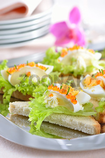 Käsehäppchen mit Kaviar