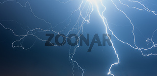 Blitze/Gewitter bei Nacht, Thunderstorm at Night