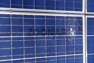 Solarpanele mit Schaden