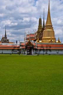 wat phra kaeo landscape bangkok thailand
