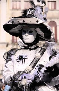 schwarzweiße Maske