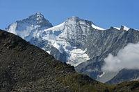 Peaks Dent Blanche, left, und Grand Cornier, Zinal, Val d'Anniviers,Valais, Switzerland