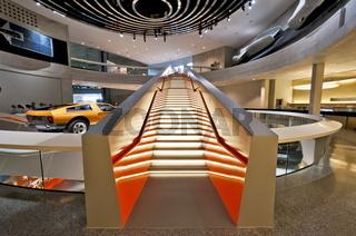Cafeteriabereich im Mercedes Benz Museum Stuttgart