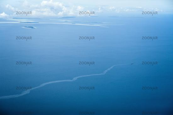 Schiff verklappt Oel im Meer