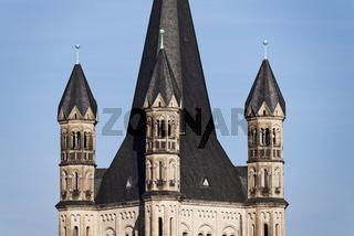 Ecktürmchen der romanischen Basilika Gross St. Martin