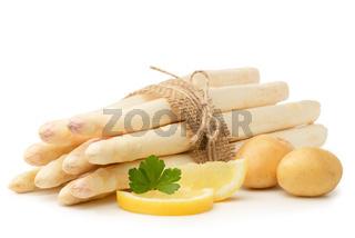 Weißer Spargel mit frischen Zutaten