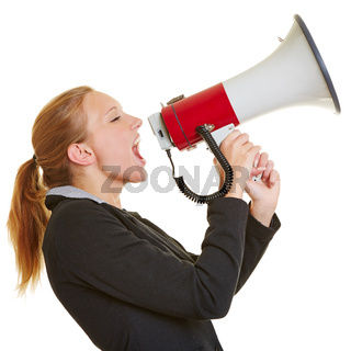 Geschäftsfrau schreit in Megafon