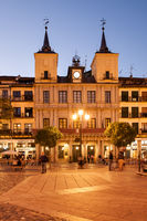 Plaza Mayor in Segovia at night