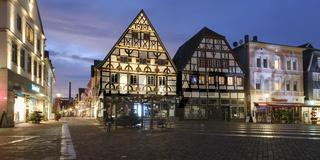 Fachwerkhaeuser am Markt, Unna, Ruhrgebiet, Nordrhein-Westfalen, Deutschland, Europa