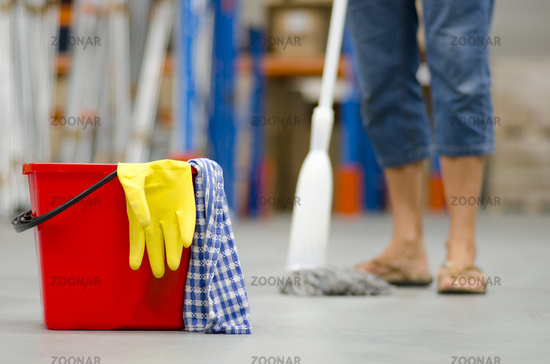 Cleaning business warehouse