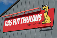 Advertising sign of a branch of the pet food and pet supplies specialist Futterhaus in Germany