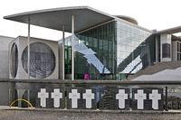 Weisse Kreuze memorial site with Marie-Elisabeth-Lueders-Haus on the Spreebogen, Berlin, Germany
