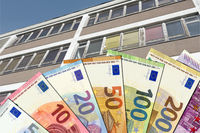 Funds (Euro notes) for school renovation