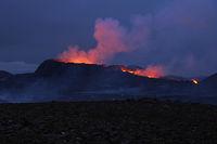 The vulcano Fagradalsfjall at Night