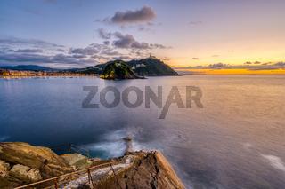 Die Bucht von San Sebastian in Spanien