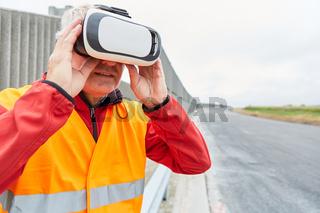 Bauarbeiter mit VR-Brille auf der Baustelle