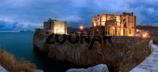 Panoramica de Castro Urdiales anocheciendo