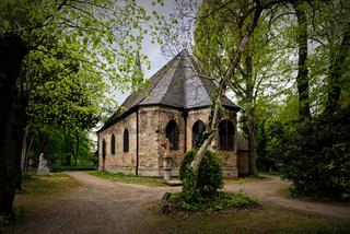 die Kirche St. Maria Magdalena und Lazarus auf dem Kölner Melatenfriedhof