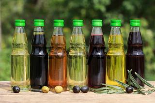 Verschiedene Sorten Öl