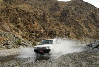 Wadi-Bashing, Wadi Al Abyad, Oman