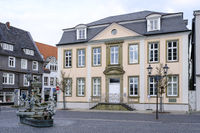 Citizen fountain in front of the town palace, Lippstadt, Westphalia, Germany, Europe