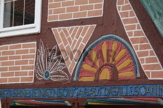 Verzierung an einem Fachwerk in Lauenburg